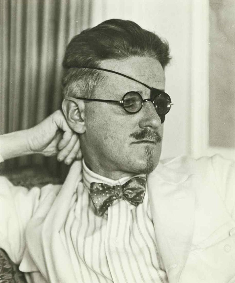 james joyce writing style James joyce's short story araby contains more than one theme joyce's stories about his fellow irish deal with complex ideas and emotions he tends to re-visit several of the same themes in his.
